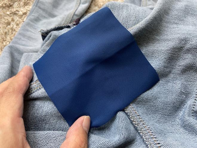ジョグジーンズの股擦れ部分にKAWAGUCHI補修布を充てた画像