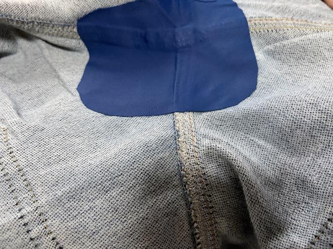 補修布でリペアが終わったあとのジーンズ股部分②