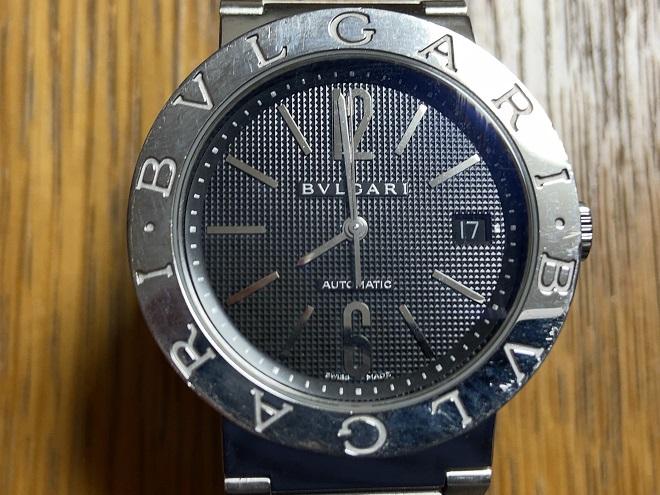 腕時計『ブルガリブルガリ』のベゼルアップ画像