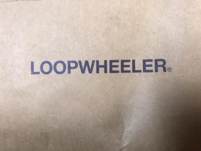 ループウィラーの紙袋に印字されているロゴマーク